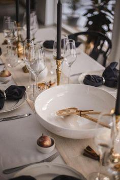 Juldukning & nyårsdukning 2018 Twelve Tables, Rectangle Table, Lassi, Table Flowers, Homemaking, Tablescapes, Table Settings, Celebrations, Centerpieces