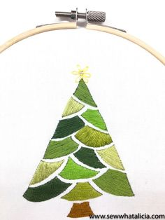 A little Christmas tree  #handembroidery #embroidery #christmastree