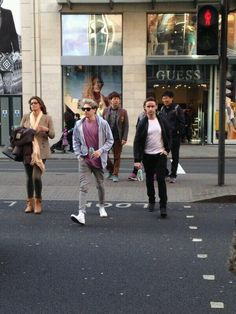 Niall and Willie out in London today - 23/3/14