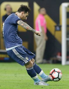 #COPA2016 Lionel Messi of Argentina takes a free kick to score the second goal of his team during the Semifinal match between United States and Argentina at...