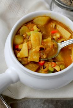 Aloo Bodi Tama - Nepali curry with bamboo shoots, potatoes, and black eyed peas. Read Recipe by dixya Indian Food Recipes, Real Food Recipes, Cooking Recipes, Ethnic Recipes, Nepalese Recipes, Vegan Vegetarian, Vegetarian Recipes, Healthy Recipes, Vegan Meals