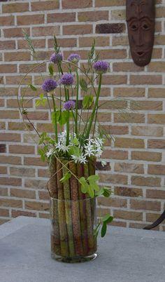 Deco Floral, Art Floral, Floral Design, Bouquet, Land Art, Ikebana, Garden Styles, Fresh Flowers, Traditional Outfits