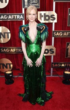 SAG Awards 2017: The Best Red Carpet Style - The Jury Is Out On Nicole Kidman's Tropical Bird-inspired Emerald Gucci Gown