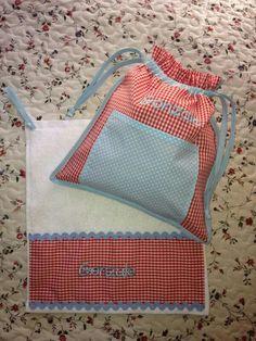 Bolsita y toalla a juego, conjunto ideal para el cole o guardería