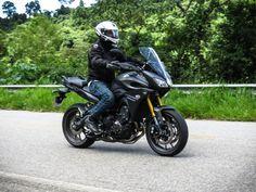 Yamaha MT-09 Tracer em movimento