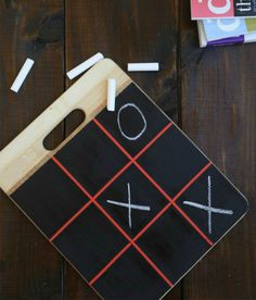 5 Fun DiY Travel Game Ideas for Kids Ensure your next road trip is easy and fun! Here are 5 DIY travel games will keep the kids entertained without taking up too much space. Cool Diy, Fun Diy, Diy For Kids, Crafts For Kids, Diy Crafts, Diy Cutting Board, Operation Christmas Child, Diy Holiday Gifts, Diy Chalkboard