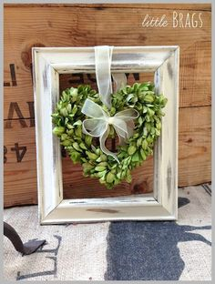 1000+ ideas about Boxwood Wreath on Pinterest | Green wreath ...