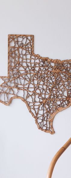The Grommet team discovers unique wall décor, laser cut maps from Cut Maps. Unique designs with cities that everyone can connect to.