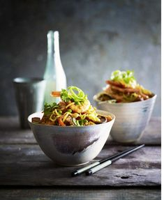 Food Photography Tips Videos Asian Recipes, Healthy Recipes, Healthy Food, Dark Food Photography, Cafe Food, Food Trends, Mets, Food Hacks, Food Tips