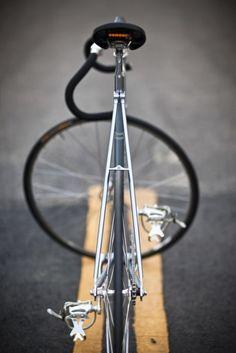 Happy day fixed bike