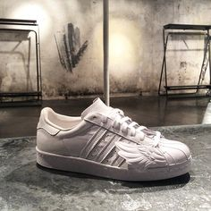 Adidas Jeremy Scott Superstar Wings