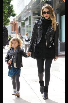 Especial shopping para el Día de la Madre con madres famosas: Jessica Alba