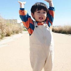 Cute Baby Boy, Cute Little Baby, Little Babies, Cute Kids, Cute Asian Babies, Korean Babies, Asian Kids, Cute Baby Videos, Cute Baby Pictures