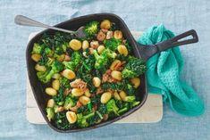 Kijk op je klokkie voor deze gnocchi, want in een kwartier is-ie klaar! - Recept - Allerhade Black Eyed Peas, Gnocchi, Sprouts, Pasta, Vegetables, Food, Vegetable Recipes, Eten, Veggie Food