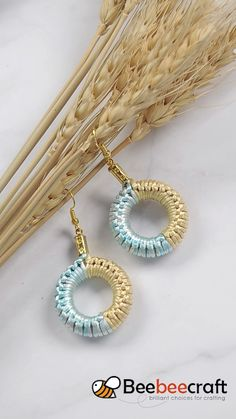 Learn how to make easy circle-shapped earrings from Beebeecraft, Beebeecraft circleshap. Diy Fabric Jewellery, Macrame Jewelry, Diy Crochet Jewelry, Hemp Jewelry, Beaded Crochet, Crochet Rope, Macrame Bracelets, Beaded Earrings, Crochet Earrings