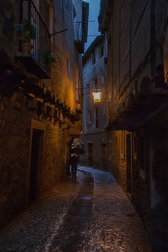 bluepueblo: Rainy Night, Albarracín,Spain photo via inhasa City Aesthetic, Fantasy Landscape, Rue, Aesthetic Pictures, Aesthetic Wallpapers, Light In The Dark, Beautiful Places, Scenery, Around The Worlds