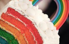 Um dia quero ter um bolo assim, estilo orgulho gay. Acho lindo! Via http://www.cakeeventsblog.com/