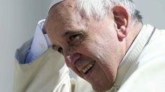 """Le amanti dei preti al Papa: """"Abolisca il celibato"""" - Ventisei donne hanno scritto a Bergoglio per esporre la loro """"devastante sofferenza"""""""