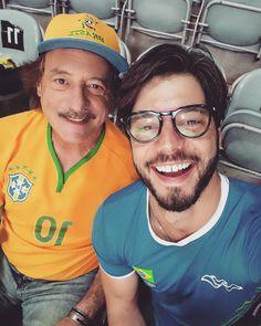 Melhor que assistir a semi-final do vôlei no Maracanãzinho é poder trazer meu pai pra curtir comigo. Show!  #EuSouTimeBrasil #Rio2016 #OlympicGames @timebrasil