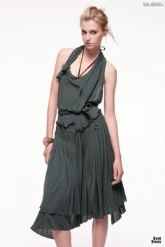 #fashion #temptacions #streetchicfashion #fashionista #streetstyle #accessories #ootd #complementosdemoda #primavera #cool #style #spanishbloggers #inspiracion #spring16 #fashionsbloggerstyle #romantica #moda 16+úžasných+šiat+od+Nina+Ricci