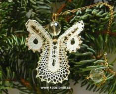 27 - andílek detailně Lace Heart, Lace Jewelry, Lace Making, Bobbin Lace, Lace Detail, Butterfly, Christmas Ornaments, Holiday Decor, How To Make