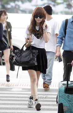 Jessica Jung's airport fashion - Celebrity Photos - OneHallyu