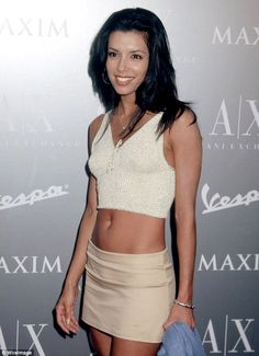 Eva Longoria is one of the most beautiful women in the world and, at looks better in a bikini than most women half her age. Eva Longoria Desperate Housewives, 2000s Fashion, Fashion Outfits, Eva Longoria Style, Gabrielle Solis, Gabrielle Union, Latina Models, Eva Mendes, Golf Outfit