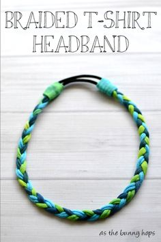Tutorial: No-sew braided t-shirt headband Amy at As The Bunny Hops shows how you can make a braided t-shirt headband, no sewing required. She uses an old t-shirt and dyes the fabric different colors, but you could also use scraps of diffe… T Shirt Yarn, T Shirt Diy, T Shirt Crafts, Fabric Crafts, Sewing Crafts, Scrap Fabric, Sewing Tips, Sewing Tutorials, Braided T Shirts