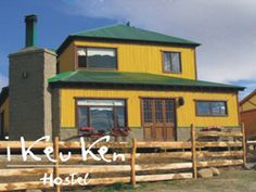 I Keu Ken Hostel, El Calafate, Patagonia Argentina Home And Away, Hostel, Patagonia, South America, Cabin, House Styles, Home Decor, El Calafate, Argentina