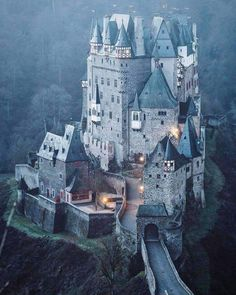 Il magnifico Eltz Castle in Germania