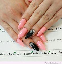 Botanic nails stiletto light pink, black, glitter