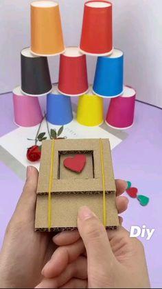 Cool Paper Crafts, Paper Crafts Origami, Diy Crafts For Gifts, Cardboard Crafts, Diy Home Crafts, Creative Crafts, Fun Crafts, Diy Paper, Diy Crafts Games