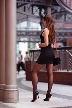 I ❤️ her sexy style and shiny black stockings