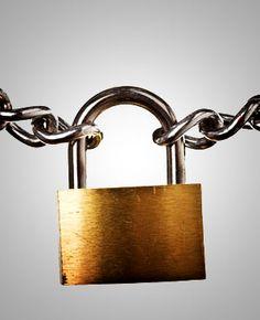 Julian Flores Garcia @careonsafety Care-on-Safety La importancia de la seguridad es la definición literal o específico o mantra de la empresa Siseguridad http://siseguridad.es   Pau Claris 97 Barcelona Spain http://www.siseguridad.com.es SiSeguridad.es SiSeguridad.es