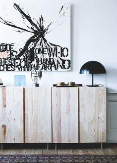 Módulos IVAR by Ikea como mueble de entrada de madera natural.