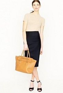 Crew for the Telegraph pencil skirt in Super wool for Women. Find the best selection of Women Skirts available in-stores and online. Long Pencil Skirt, Pencil Skirts, Pear Shaped Women, Hijab Look, Work Attire, Pretty Outfits, Classy Outfits, Work Outfits, Work Wear