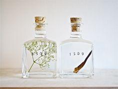 20 Beautiful Perfume Bottles Packaging Design For Inspiration Perfume Packaging, Bottle Packaging, Pretty Packaging, Beauty Packaging, Brand Packaging, Packaging Design, Branding Design, Simple Packaging, Packaging Ideas
