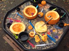 Exploring pumpkins with different tools by Aram Shawbo Autumn iDeas 🍂 Theme Halloween, Halloween Activities, Autumn Activities, Harvest Activities, Summer Activities, Tuff Spot, Nursery Activities, Preschool Activities, Fall Preschool