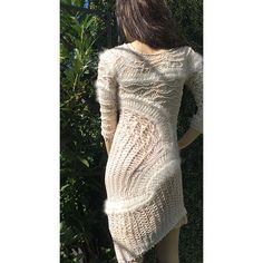Robe-fourche-art-crochet-luxe. Tricot D'art, Angora, Creations, Sweaters, Dresses, Fashion, Sweater Dress Outfit, Lace, Mother Of Pearls