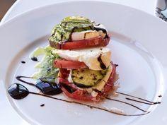 Бон Апети Салата от тиквички и домати с моцарела