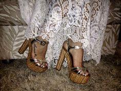 Sandália meia pata Tatiane Moreira vc encontra em nossa loja on-line www.tatianemoreira.com.br