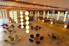 Hotel OKURA. Tokyo. Japan   |   main lobby   |   「オークラ・ランターン」と梅の花を模したテーブルと椅子が特徴=東京都港区、日吉健吾撮影