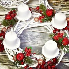 Table Centerpieces, Table Decorations, Instagram Widget, Xmas Ideas, Om, Christmas Wreaths, Corona, Centerpieces, Center Table Decorations