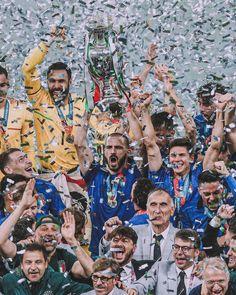 Uefa European Championship, European Championships, Steven Gerrard, Premier League, Soccer World, World Pictures, European Football, Marvel, History Books