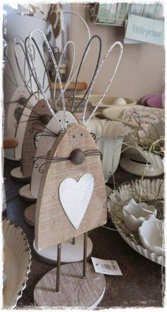 craft with cement 40 DIY Easter Wood Crafts which are a result of Labour Love And Patience Hike n. 40 DIY Easter Wood Crafts, ein Ergebnis der Arbeit Liebe und Geduld Hike n Dip # Ostern # Dekoration Spring Crafts, Holiday Crafts, Crafts To Sell, Diy And Crafts, Diy Y Manualidades, Diy Ostern, Bunny Crafts, Hoppy Easter, Easter Eggs