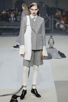 Thom Browne Fall 2017 Ready-to-Wear Collection Photos - Vogue Fashion Week, Fashion 2017, Runway Fashion, Fashion Show, Fashion Design, Weird Fashion, High Fashion, Studio 54, Contemporary Fashion