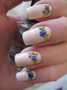 Flower nails from Cajanails.