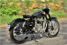 My Royal Enfield vintage Bullet - South India Royal Enfield Bullet, Royal Enfield Classic 350cc, Royal Enfield Modified, Mercedes Benz Cars, Motorcycle Style, South India, Vintage Motorcycles, Cool Bikes, Bobber