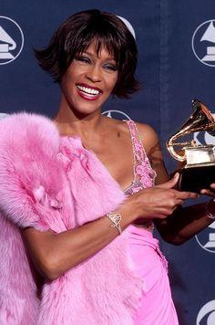 """Aux Grammy Awards en février 2000. Whitney Houston avait été sacrée pour son titre """"It's Not Right but It's Okay"""""""