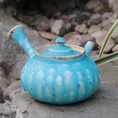 Newly arrived Aoyu (blue glazed) teapot by Yamada Sou  #ceramics #ceramic #pottery #teapot #kyusu #kyuusu #teatime #greentea #sencha #tea #japaneseceramics #japanesepottery #wabicha #wabipot #woodfired #柴烧 #柴燒 #tokoname